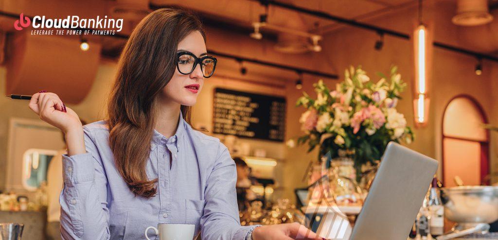 woman in laptop